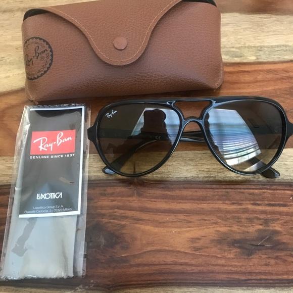 38de64dd328 RayBan CATS 5000 Classic Sunglasses. M 5aaeca3b3a112e1bced5fd31